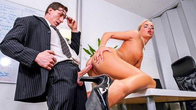 данном русское порно с девушкой в обтягивающих штанах интересные моменты! нелюблю